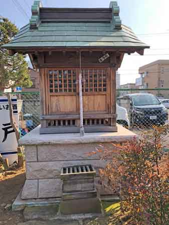 秋元稲荷神社のほこら