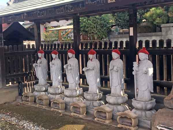 流山寺の六地蔵