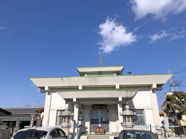 流山寺本堂