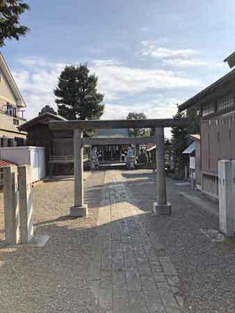 流山浅間神社入口