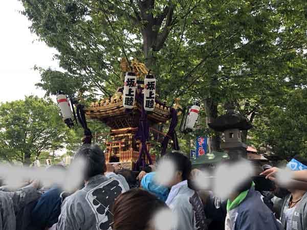 日野八坂神社の千貫みこし(佐藤彦五郎が発起人になって作ったみこし)