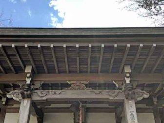 平町東照宮から移設された西玉神社の狛犬(拝殿上の左右の木彫り)