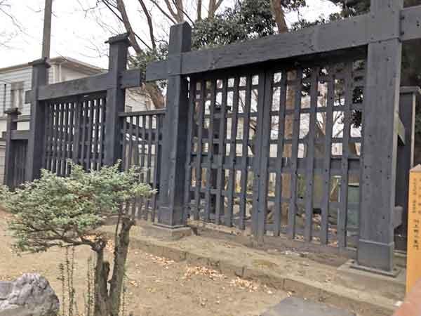 円通寺に移築された寛永寺の黒門