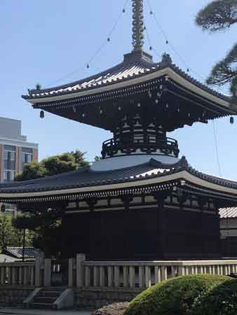 護国寺の多宝塔
