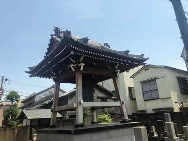 新福寺の鐘楼