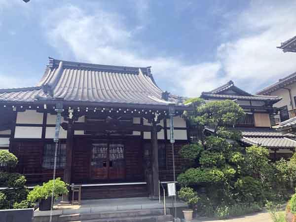 新福寺の本堂